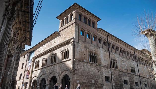 El Museo Gustavo de Maeztu, en el barrio monumental.