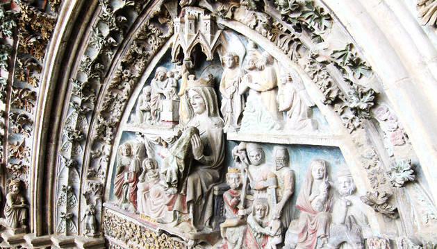 Portada de Santa María de Olite después de su restauración.