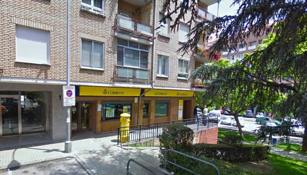 Oficina de Correos en Barañáin, que ya abre por la tarde.