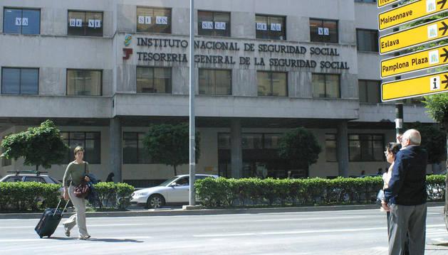 Edificio sede de la Seguridad Social en la calle Conde OIiveto.