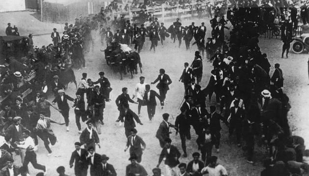 Esteban Domeño inauguró la lista de los fallecidos en el encierro en 1924