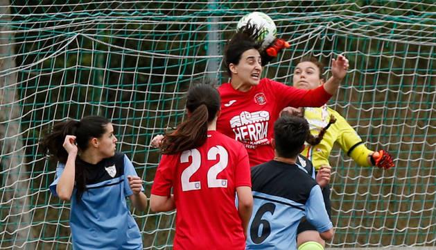 El partido entre las chicas de Berriozar y Logroño, este domingo