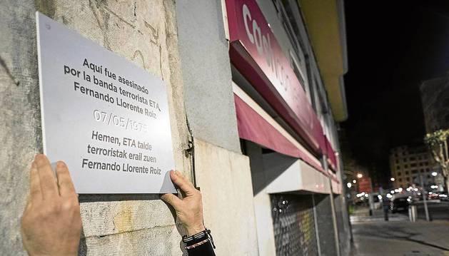 Covite coloca las placas.en Bilbao y en San Sebastián.