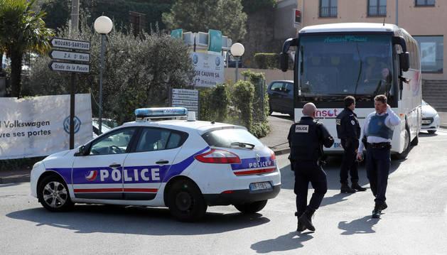 Foto de la policía, en el instituto de Grasse, en el sur de Francia.