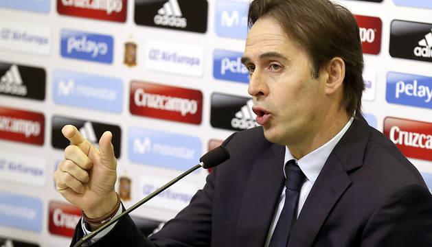 El seleccionador nacional, Julen Lopetegui, durante la rueda de prensa que ha ofrecido este viernes en la Ciudad del Fútbol.