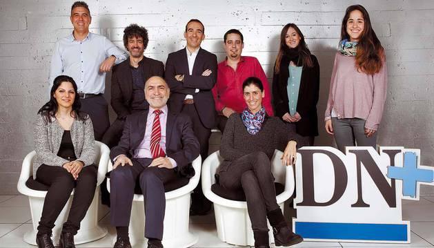 Sentados, de izquierda a derecha, Lorena Lobete Villegas y José Lobete Cardeñoso (Pyramide), y Ana Monreal Vidal (iAR). De pie, también de izquierda a derecha, Sergio Peñalver Primo (Blackbinder), Alejandro Ruiz Lerena (Grupompleo), David Iranzo Claveria (GM Vending), Alejandro Díaz Chamorro (i3i), y Arantxa Esparza Elizalde y Gema Muñoz Escudero (iAR).