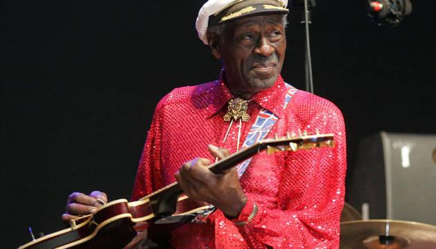 Chuck Berry, en el escenario de la Plaza del Castillo en los Sanfermines de 2008.