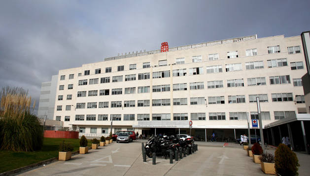 Imagen del exterior del edificio maternal del Complejo Hospitalario de Navarra.