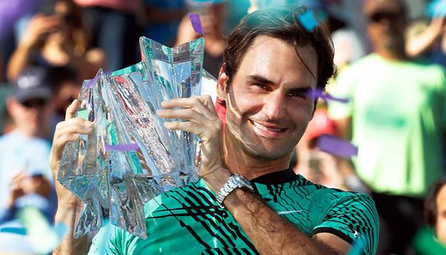Federer sigue en racha y se lleva su quinto Indian Wells ante Wawrinka