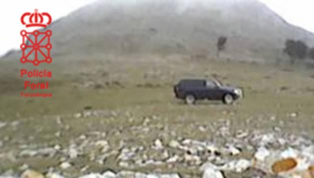 Vehículo de los cazadores en el paraje de Txurregui.