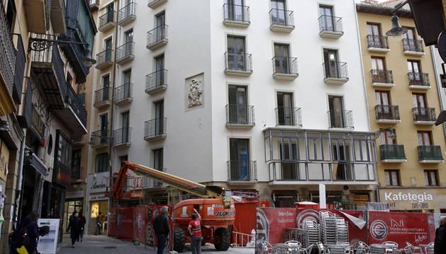 Hotel Pompaelo de Pamplona, ubicado en la plaza del Ayuntamiento