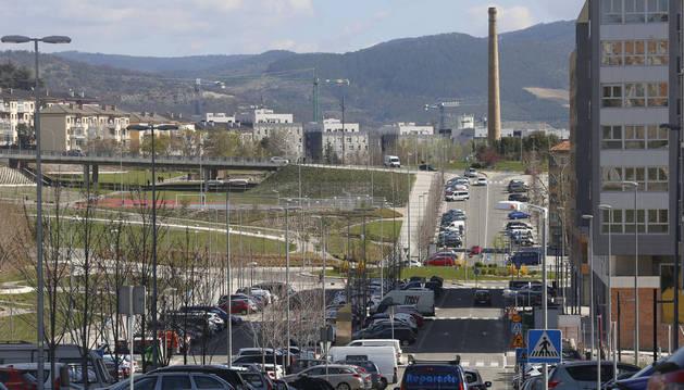 Calle Soto de Lezkairu, una de las que más plazas de parking gratuito concentra en la nueva urbanización.