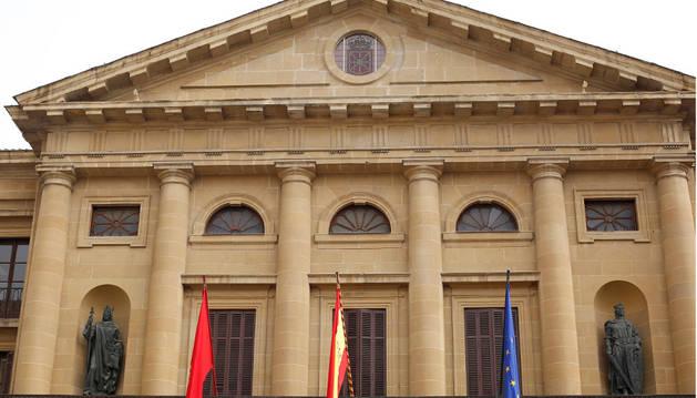 Fachada del Palacio de Navarra