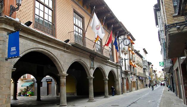 Imagen de la fachada del Ayuntamiento de Sangüesa.