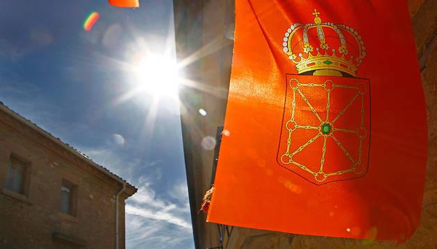 Una bandera de Navarra, desplegada en Barbarin.