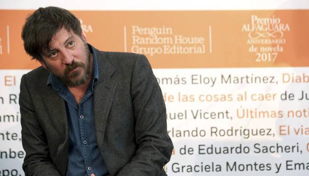 Ray Loriga, premio Alfaguara por 'Rendición', una obra kafkiana