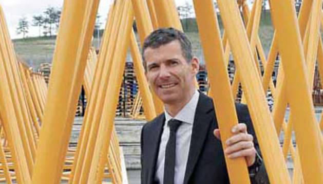 Gabriel Iturralde Errea, codirector general de la empresa de grúas Liebherr Industrias Metálicas en Navarra.