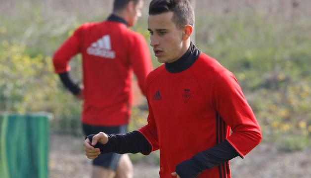 Álex Berenguer, en la sesión de ayer en Tajonar, tras su gran gol en Mendizorrotza.