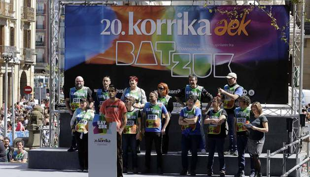 La carrera que recauda dinero para la alfabetización del euskera ha finalizado en el Paseo de Sarasate.