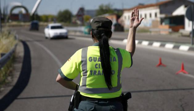 Imagen de archivo de una agente de la Guardia Civil.