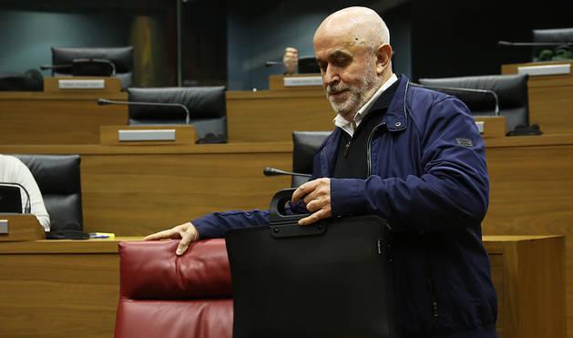 José Luis Mendoza, en el Parlamento.