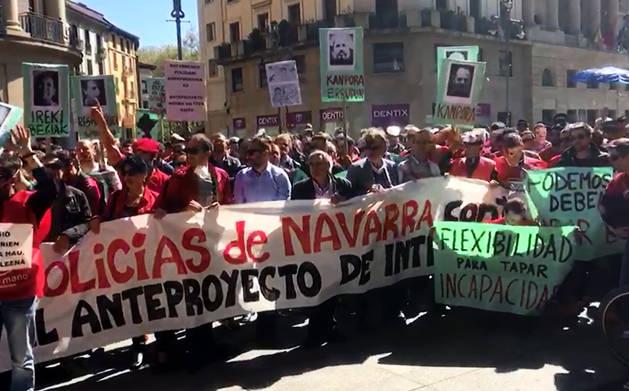 Concentración en contra del anteproyecto de ley de Policías de Navarra