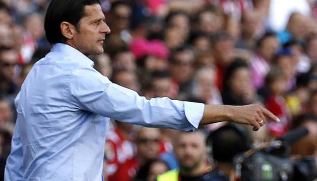 Petar Vasiljevic, entrenador de Osasuna, en el Vicente Calderón.