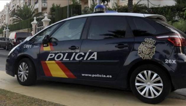 Foto de un coche de la policia Nacional.