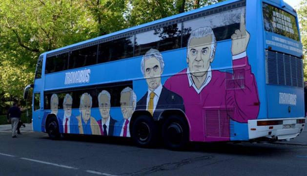 Foto del autobús con el que Podemos quiere señalar a los integrantes de esa