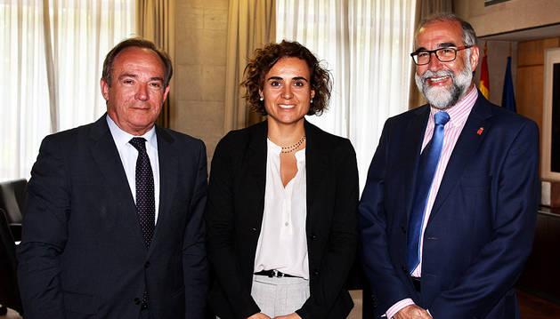 Domínguez solicita a la ministra de Sanidad eliminar la tasa de reposición