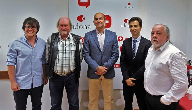 Izda a dcha: Juan Albarrán (Taller de Sociología), Javier Álvarez (presidente Adona), Javier Fernández (Fundación Caja Navarra), José Moreno (Caixabank) y Carlos Vilches (Taller de Sociología).