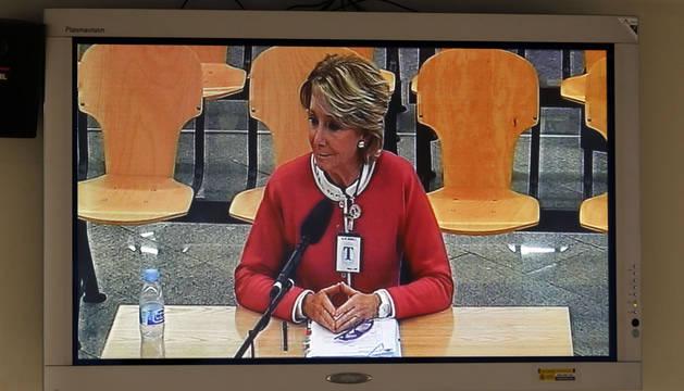 Fotografía de Esperanza Aguirre, durante su declaración.