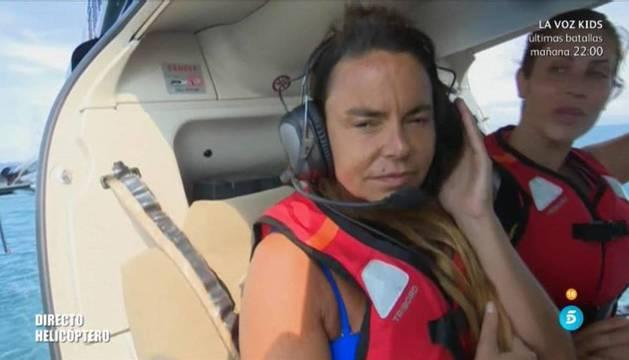 Foto de Leticia Sabater, momento antes de saltar a la isla.