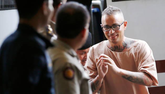Foto del español Artur Segarra en la audiencia en el Tribunal Penal de Bangkok, Tailandia.