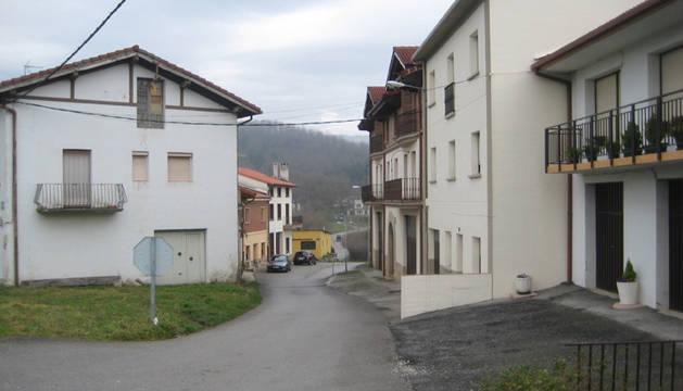 Detalle del barrio de Beikolar, enclavado en las inmediaciones de la A-1, en Alsasua.