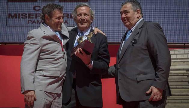 Entrega del Trofeo Nacional a las Tradiciones Taurinas Populares al encierro