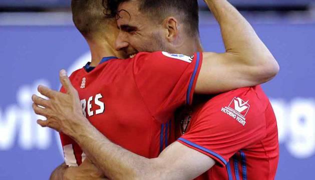 Disfruta de las mejores imágenes del Osasuna-Sporting del 22 de abril