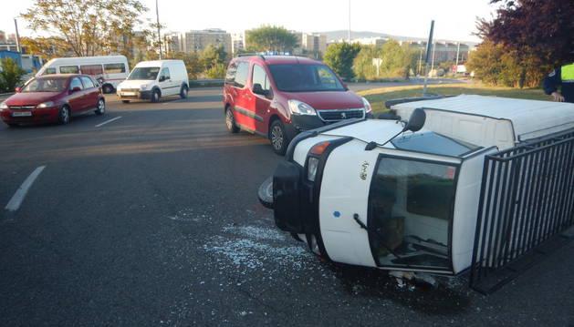 Imagen del accidente ocurrido en la rotonda de Ofitas.