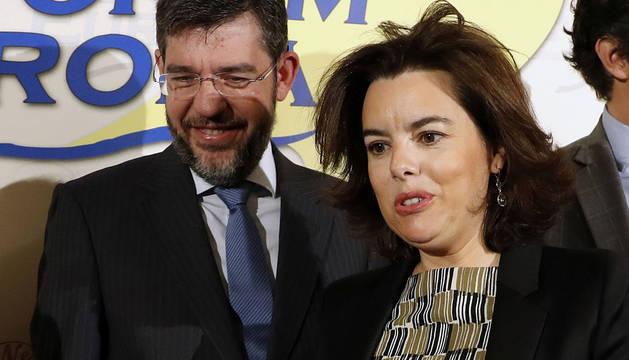 La vicepresidenta del Gobierno, Soraya Sáenz de Santamaría y el secretario de Estado de Presupuestos y Gastos, Alberto Nadal.