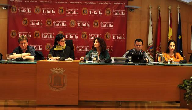 Cristina Arconada (Bildu) presidió la sesión ante la ausencia por motivos de salud del alcalde.