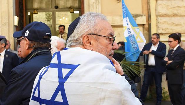 Redención en la sinagoga