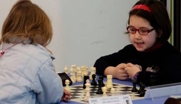 En las finales la competición se dividió entre masculina y femenina. En las previas se mezcló.