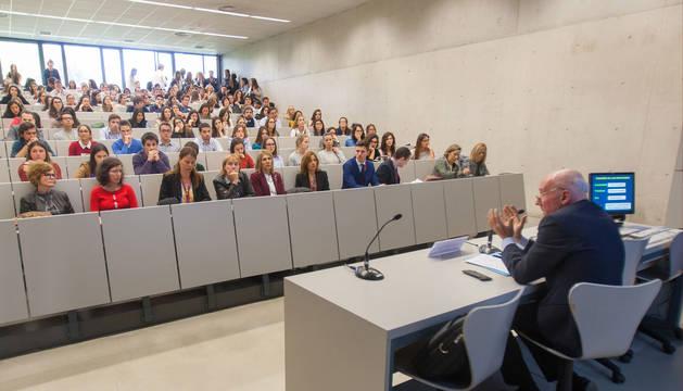 El catedrático de Psicología Clínica de la Universidad del País Vasco Enrique Echeburúa, en la Universidad de Navarra.
