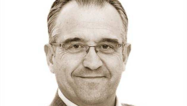 Enrique Maya.