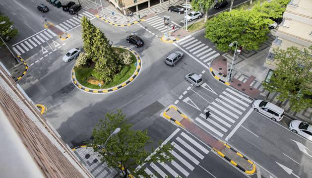 Foto de la glorieta de la calle Iturrama con Íñigo Arista.