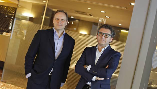 A la izquierda, el economista Daniel Lacalle junto al analista e inversor Marc Vidal.