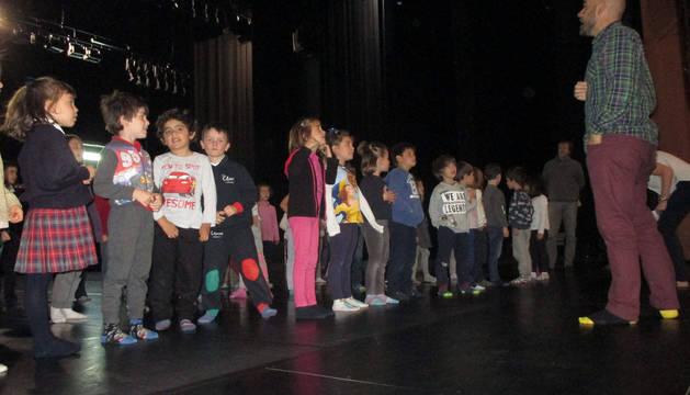 El miércoles fue jornada de ensayo general sobre el escenario del Auditorio Barañáin.