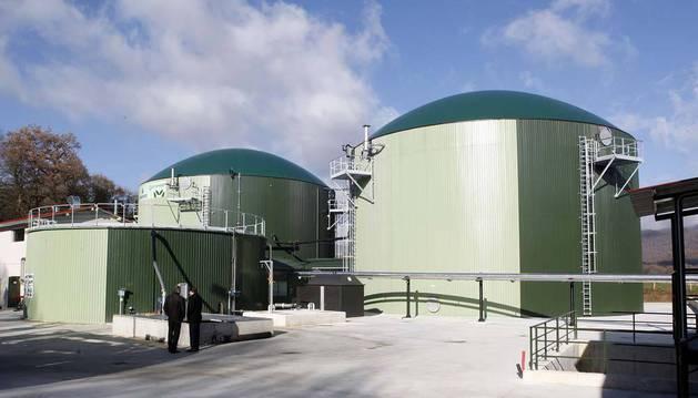 Detalle de la planta de biometanización, cuando se inauguró en diciembre de 2010 en Iraizotz.