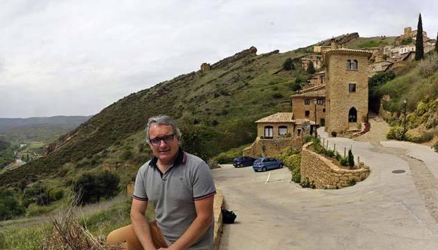 Imagen de Ramón Navarro en su hotel de Gallipienzo, donde reside.