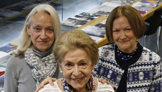 De izquierda a derecha: María Pilar, Rosario y María Antonia Frías.